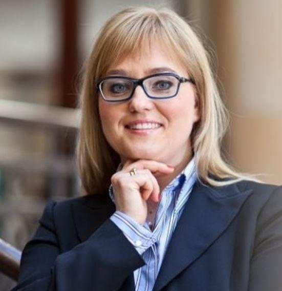 dr Magdalena Adamowicz